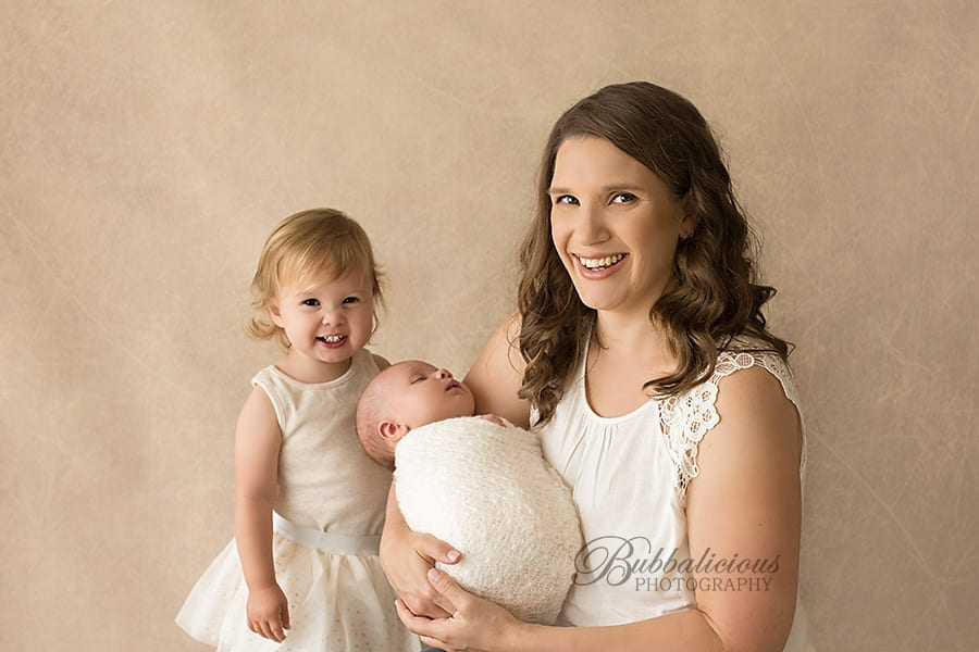 Baby with Older Sister and Mum - Bubbalicious Photography - Premium Newborn Photographer - Sunshine Coast Gympie